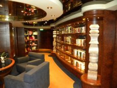 msc_yacht_club_private-library